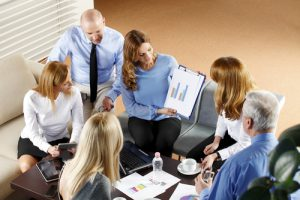 Leder orienterer om stress på arbejdspladsen hos Kirsten-K