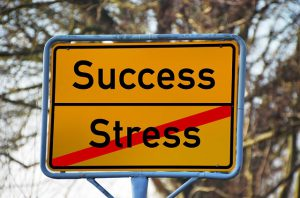 Et fælles ansvar at gå fra stress til trivsel - lær det hos stresscoach Kirsten-K